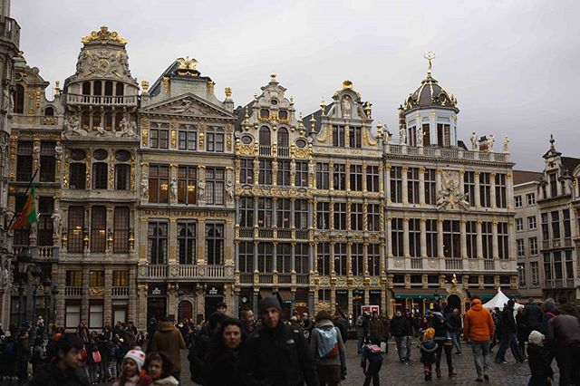 📍Brussels, Belgium . 🔴 traveling is the most ontense mode of learing, learn it ! 🔴