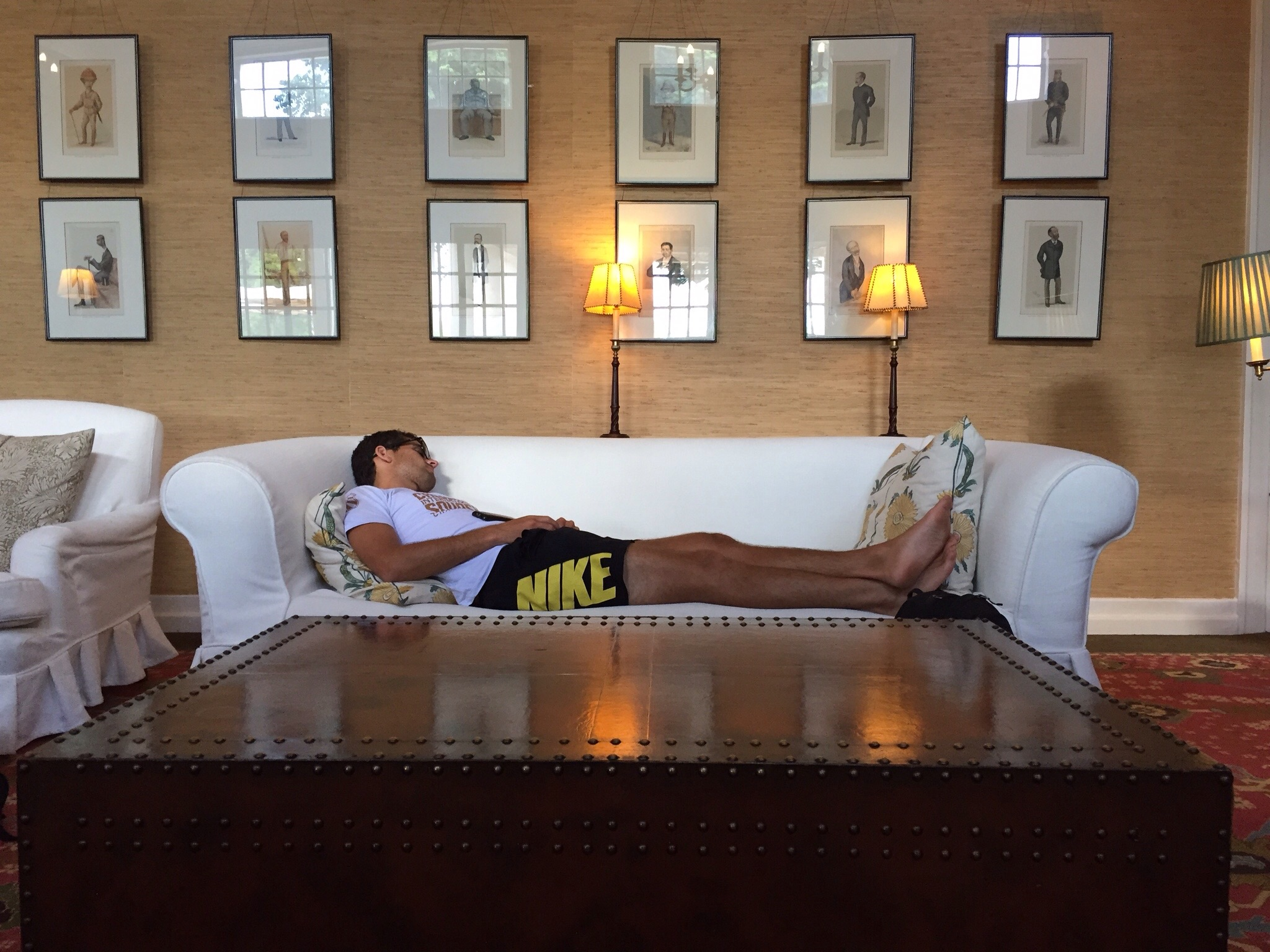 Couch surfing the tour