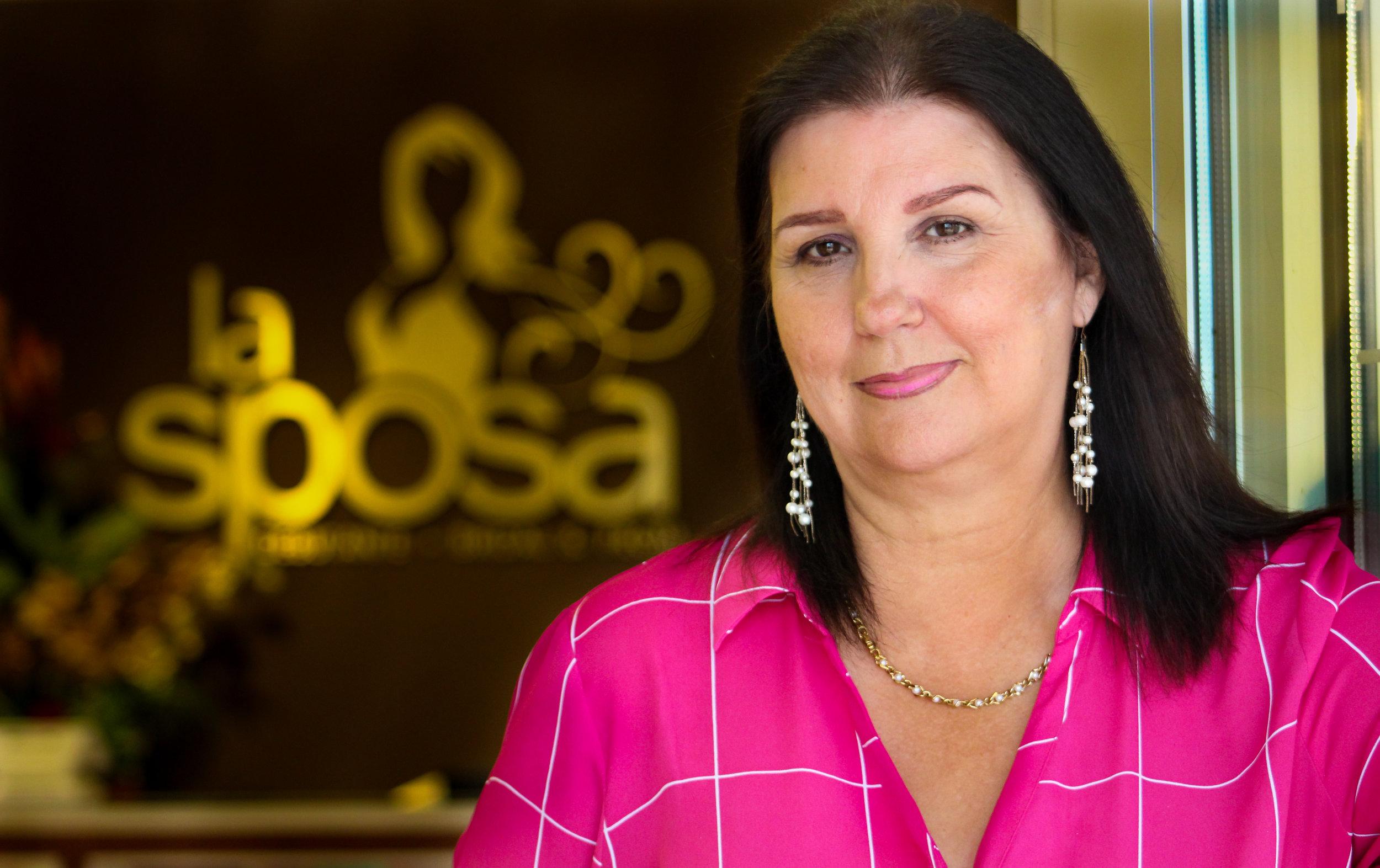 Thelma, Especialista en Novias y Ocasiones Formales