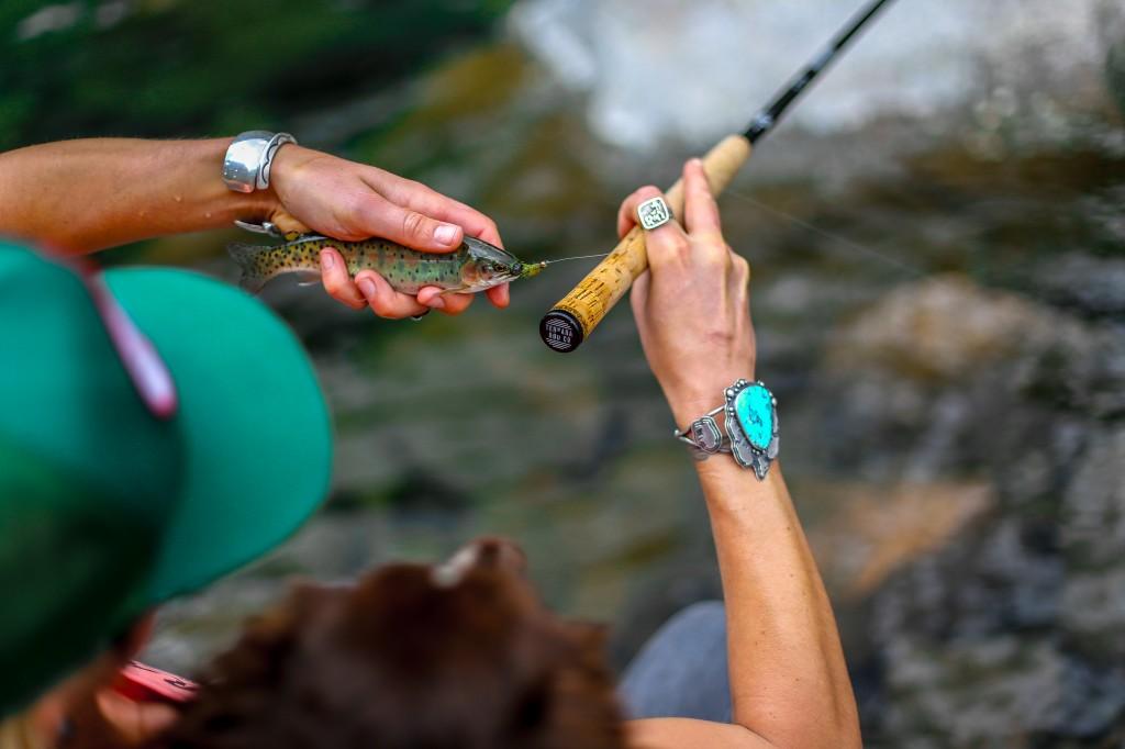 Jillian Lukiwski, Fishing | The Honest Home Podcast