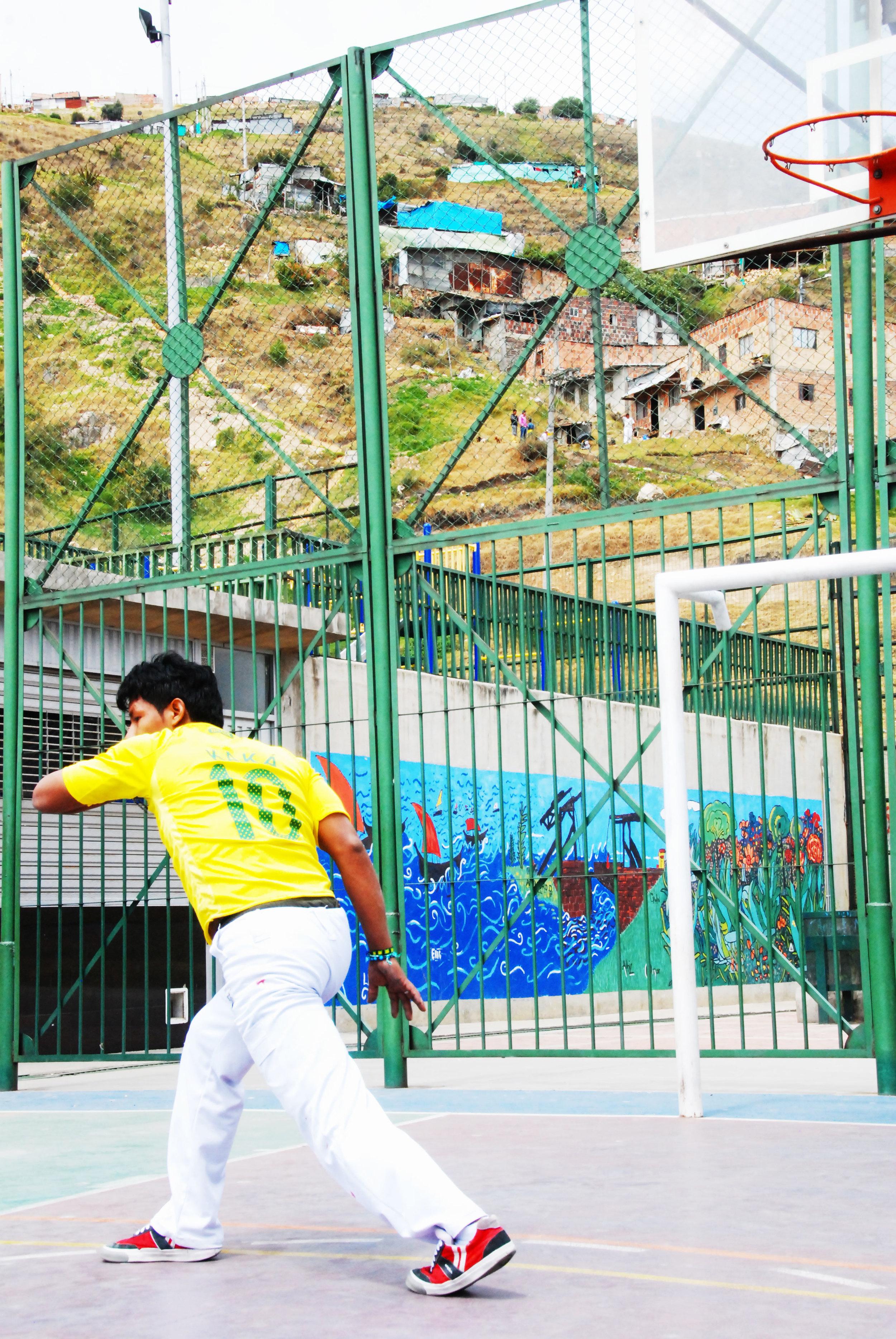 Capoeira in the hills of Ciudad Bolivar