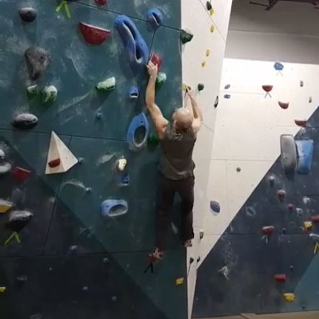 Those blue Ontoro Pik-Pocket Series 👌🏽 #ontoroclimbing #bouldering #rockclimbing #strong #gymtime #ontoro #rocks #indoorclimbing #climbing #escalando #escalada #pockets #pikpockets #gym #madeincanada #canadian #toronto