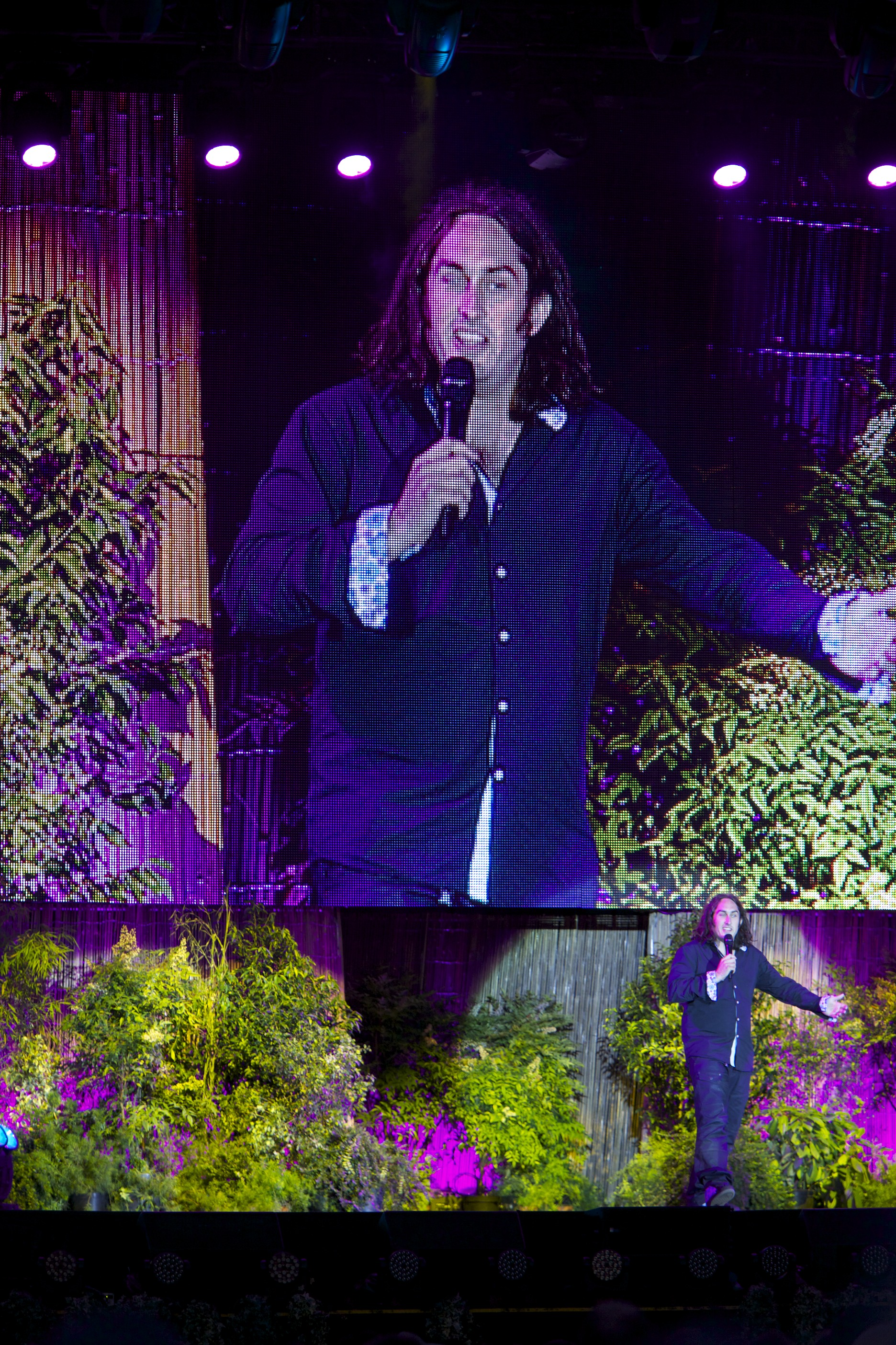 """Ross Noble performing at """"Laughs in the Park"""" in St. Albans."""