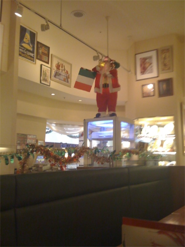 Italian Santa at Italian restaurant in Maebashi