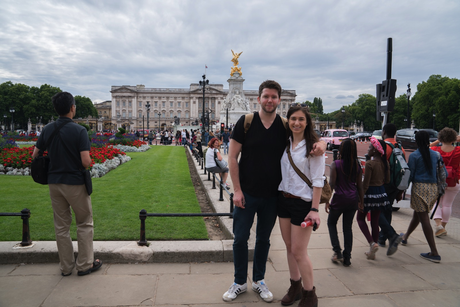 Sarah and me in front of Buckingham Palace. Photo courtesy some member of Sarah's family.   (London, United Kingdom.)