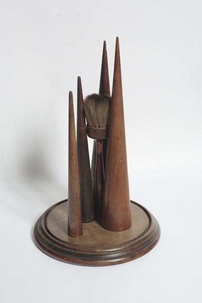 "Artist: John Sideli  Name: Counter Point  Dimensions: 18"" x 18"" x 11"""