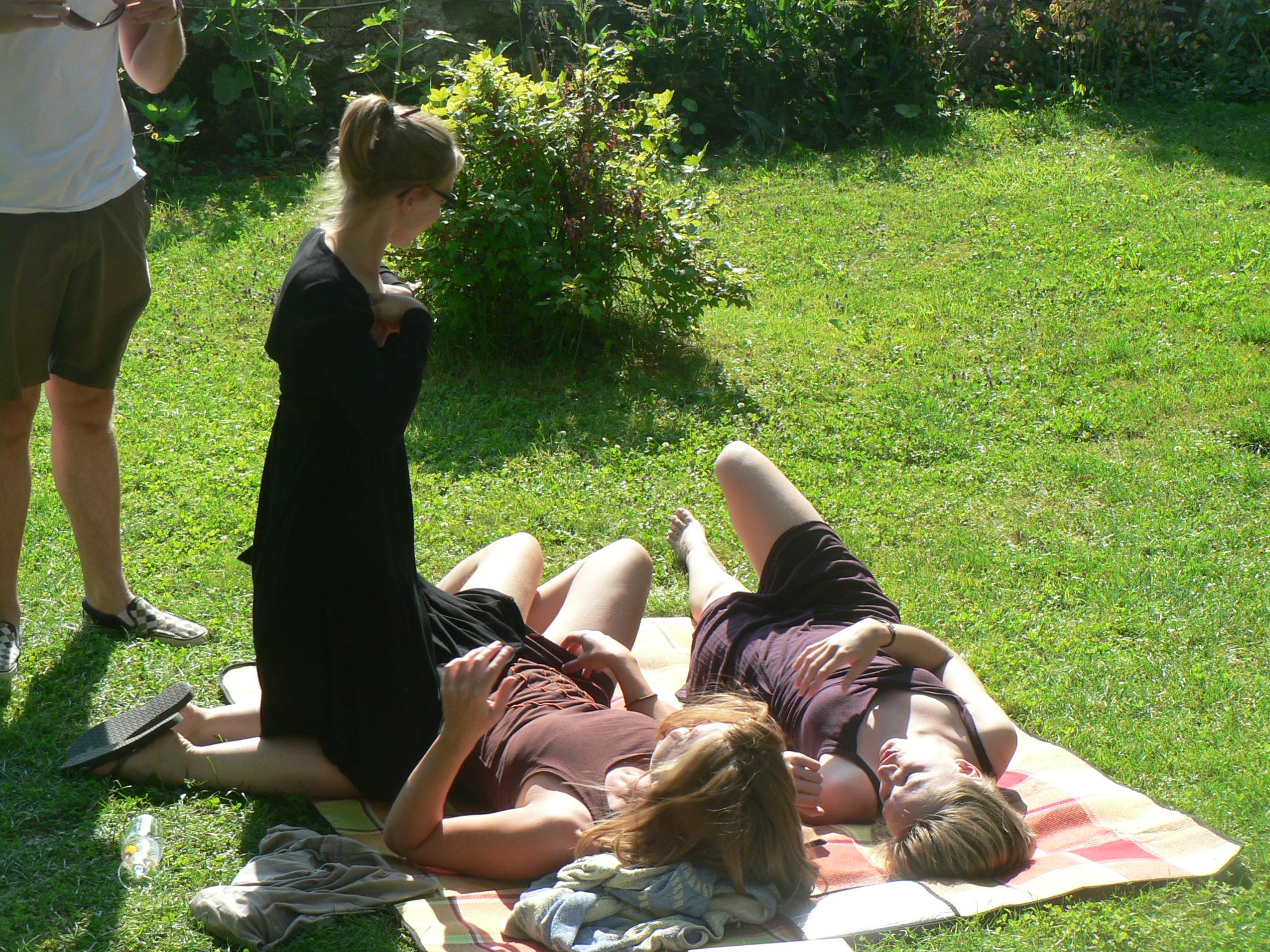 Luieren in het gras