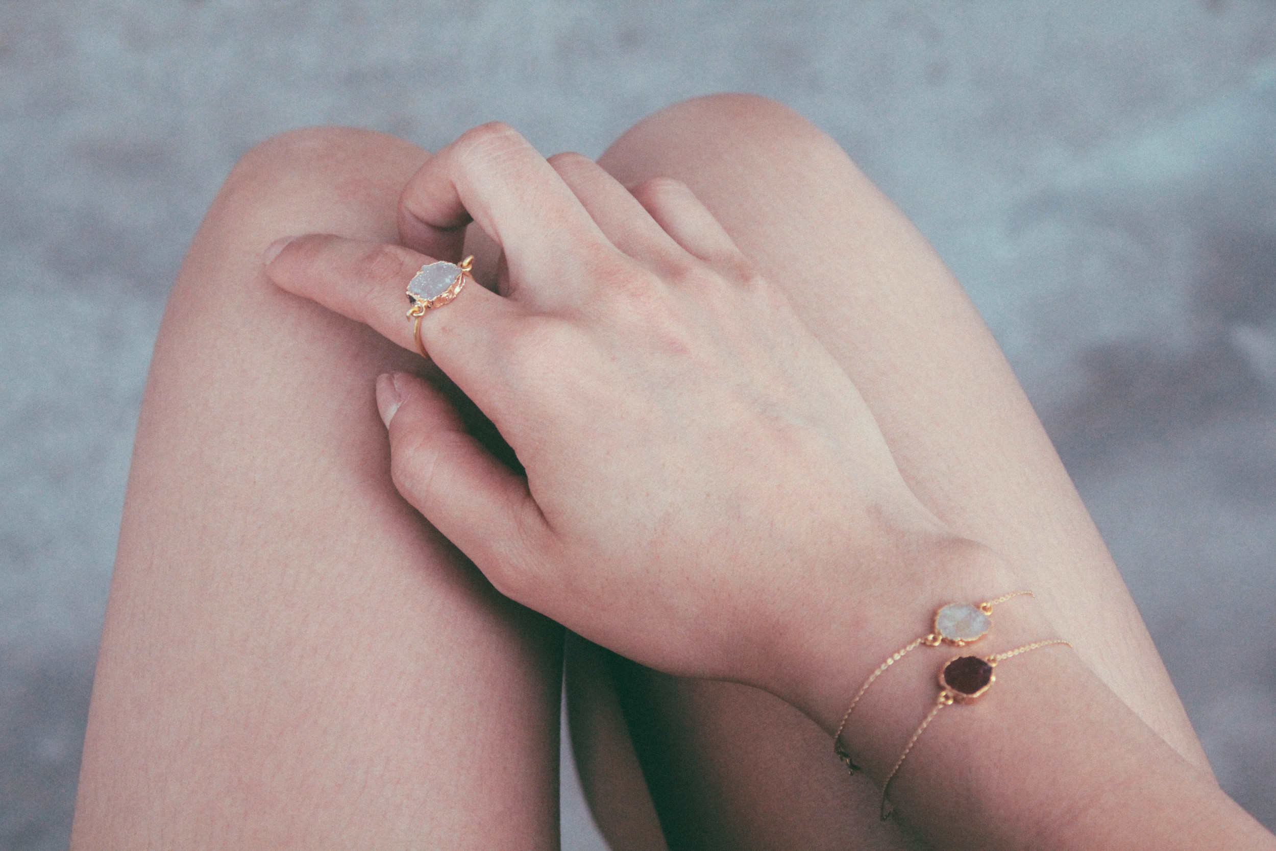 Different mineral rings and bracelets in 24ct Goldplated Silver