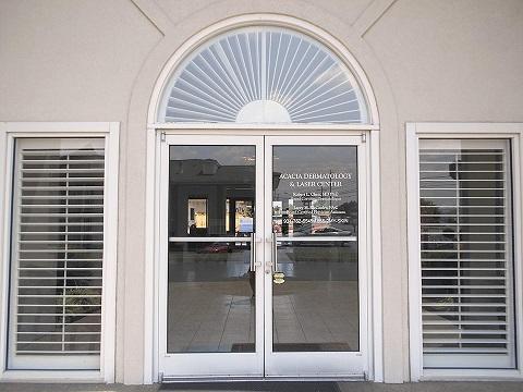 Foyer Entrance - Acacia First Care Dermatology Serving Lawrenceburg TN, Pulaski TN,  Waynesboro TN - by Dermatologist Robert Chen.jpg