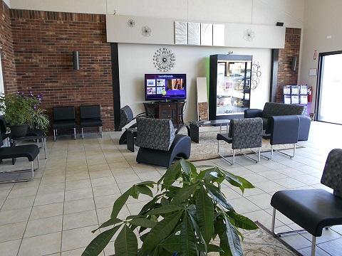 Waiting Room - Acacia First Care Dermatology Serving Lawrenceburg TN, Pulaski TN,  Waynesboro TN - by Dermatologist Robert Chen.jpg