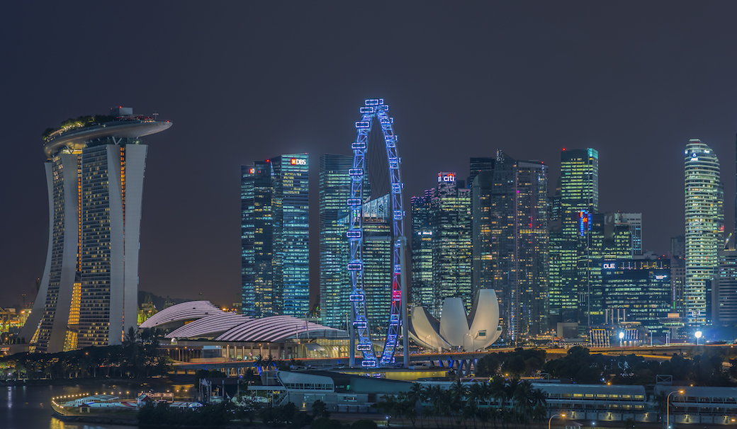 Everything lights up at night.Image Courtesy of the Singapore Tourism Board.