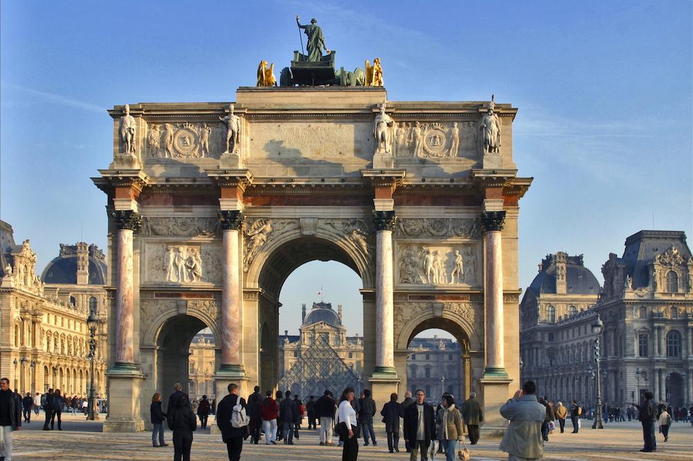 Paris' Arc de triomphe du Carrousel. Image courtesy of Atout France/Michel Angot.