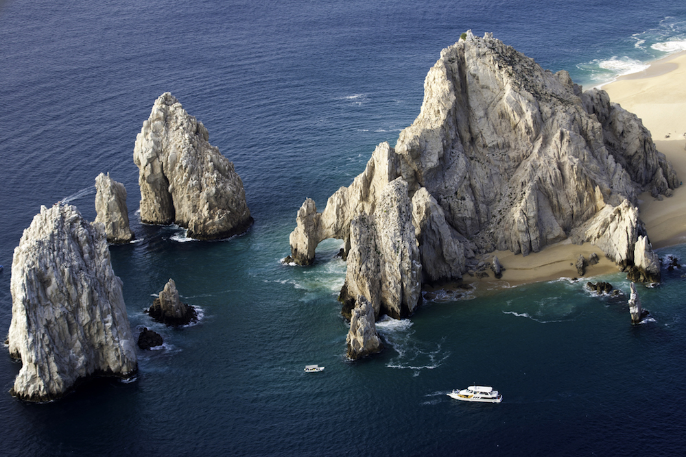 It's not all about clubbing—Los Cabos is pretty as hell. Image courtesy of the  Los Cabos Tourism Board .