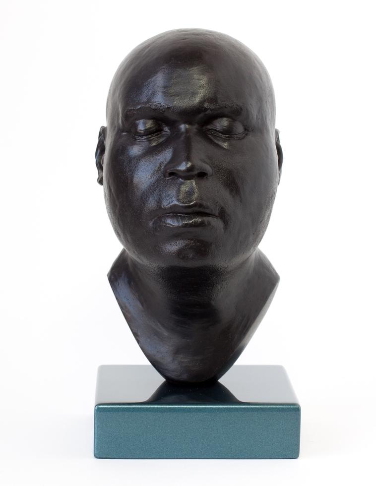 Head 18 - H.20cm x W.11cm x D.13cm_base H.3cm x W.11cm x D.11cm (5 of 5).jpg
