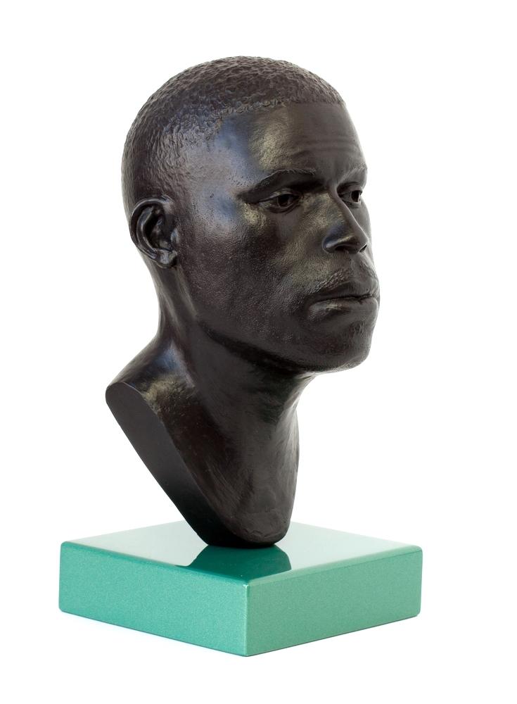 Head 16 - H.21cm W.11cm x D.13cm_base H.3cm x W.11cm x D.11cm  (4 of 5).jpg