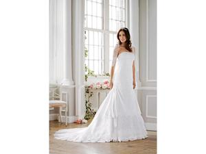 Davids-Bridal-A-line-Style-T9466-white-2010-2_t_w300_h400.jpg