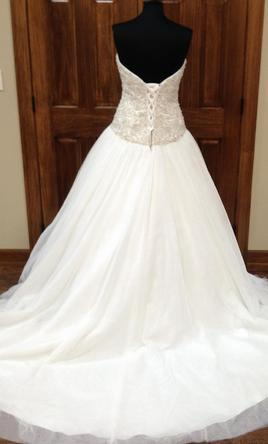 Maggie-Sottero-Ball-Gown-Wendy4MT852-Ivory-with-Silver-Back.jpg