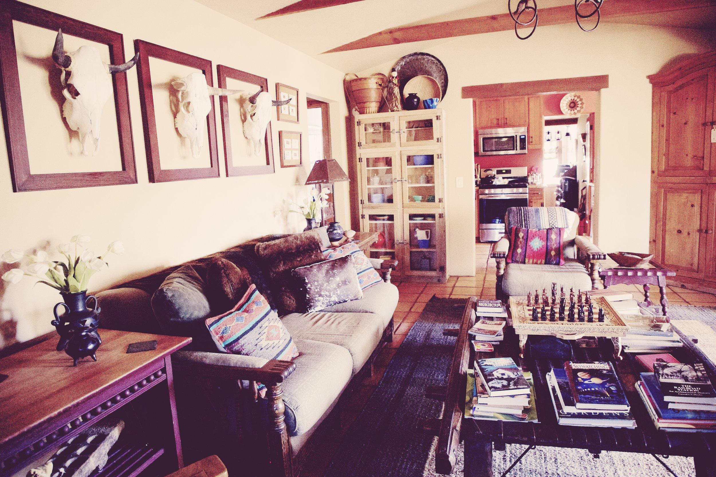 IMG_6281_x living room.jpg