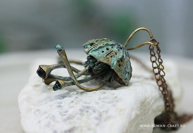 Jellyfish. Bronze, fused glass.