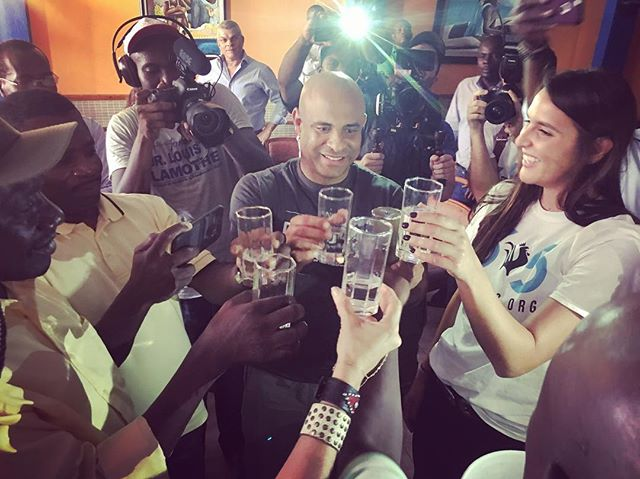 Sips of water with the former Prime Minister of Haiti @laurentlamothe, the Mayor of Aux Cayes and the Mayor of Miami. We had cholera infected water that was filtered through our water filters and now it's clean! At this meeting we also visited the 1,000 families who need the water the most and provided them filters. 💦💧🇭🇹