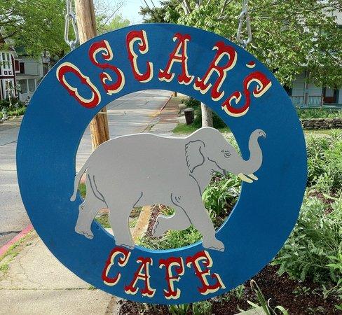 oscars cafe 1.jpg