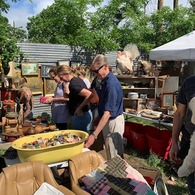 We're getting excited for the flea market this Sunday! The May uncommon FLEA is from 10am to 3pm behind uncommon OBJECTS. It should be a beautiful day!  #shop512 #fleamarketfinds #shoplocalatx  #austinvintage #fleamarket #fleamarketstyle #do512family #whatwhenwhereaustin