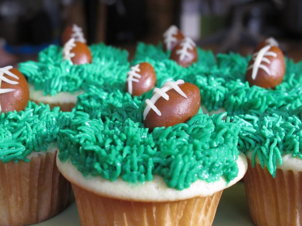 Sweet Kiera - SuperBowl cupcakes 035 super bowl cupcakes