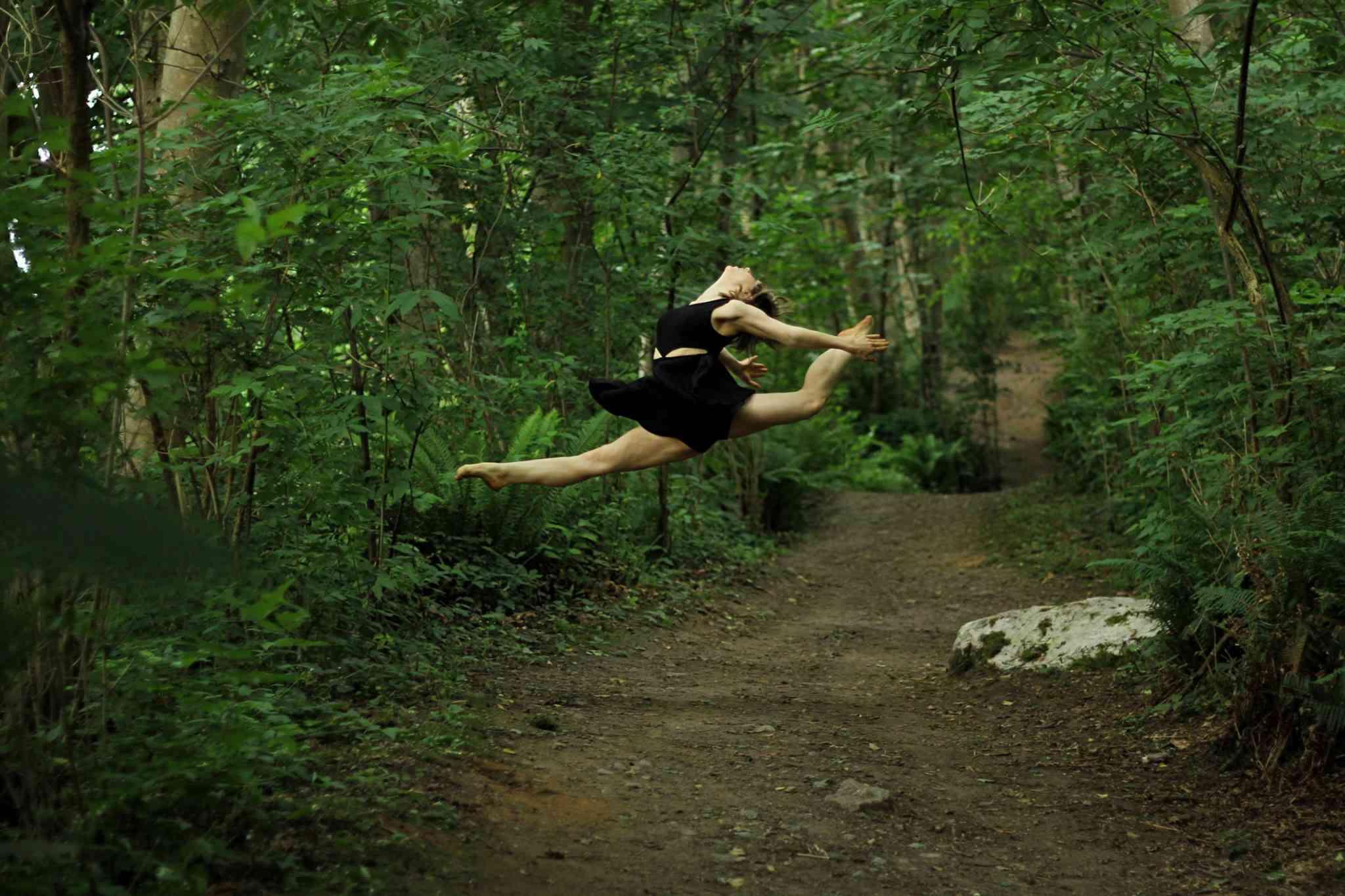 Catalyst Dance photo of Melissa Panetta by Brenda Kent © Dezza Dance 2015