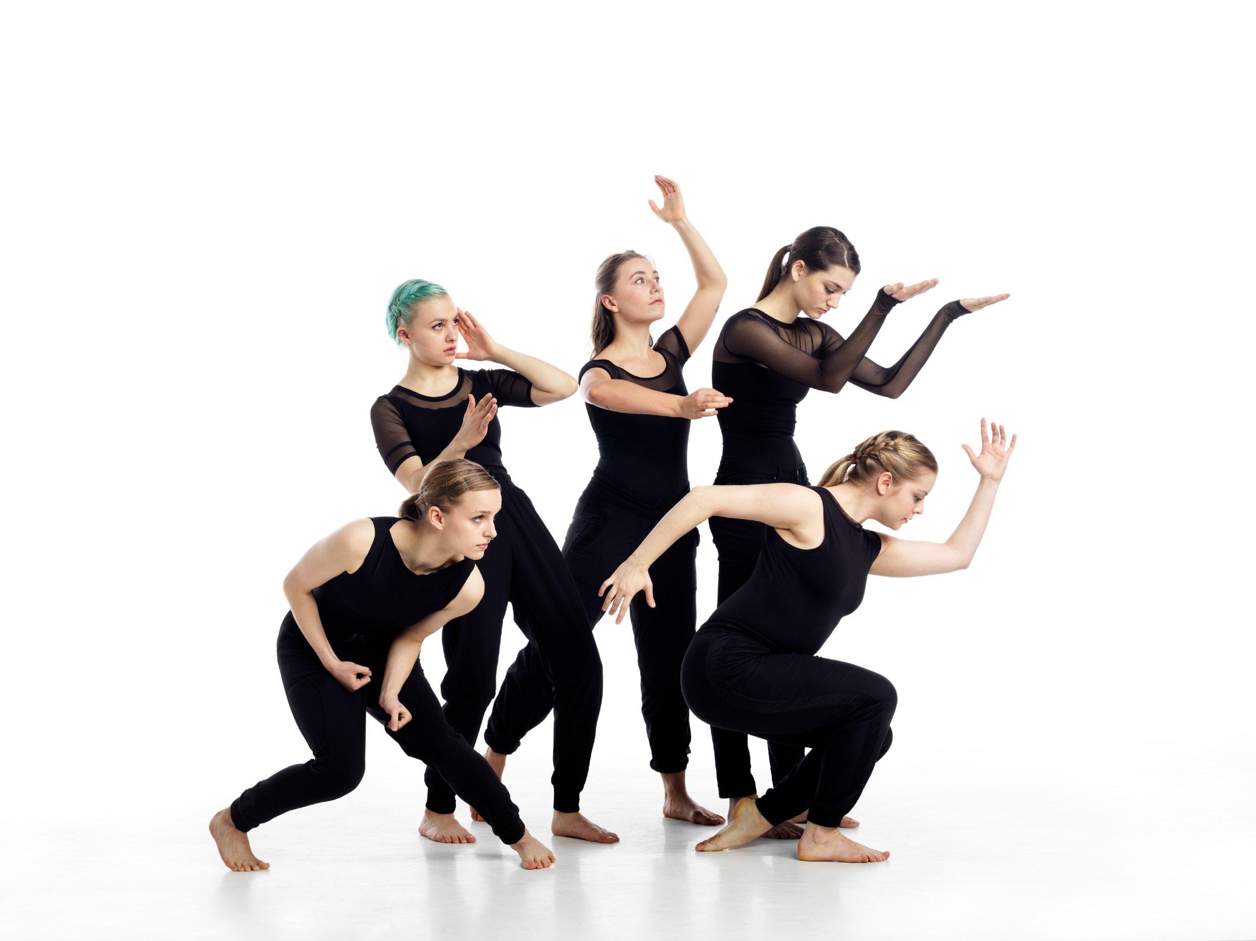LEG UP!-jenna-group.jpg