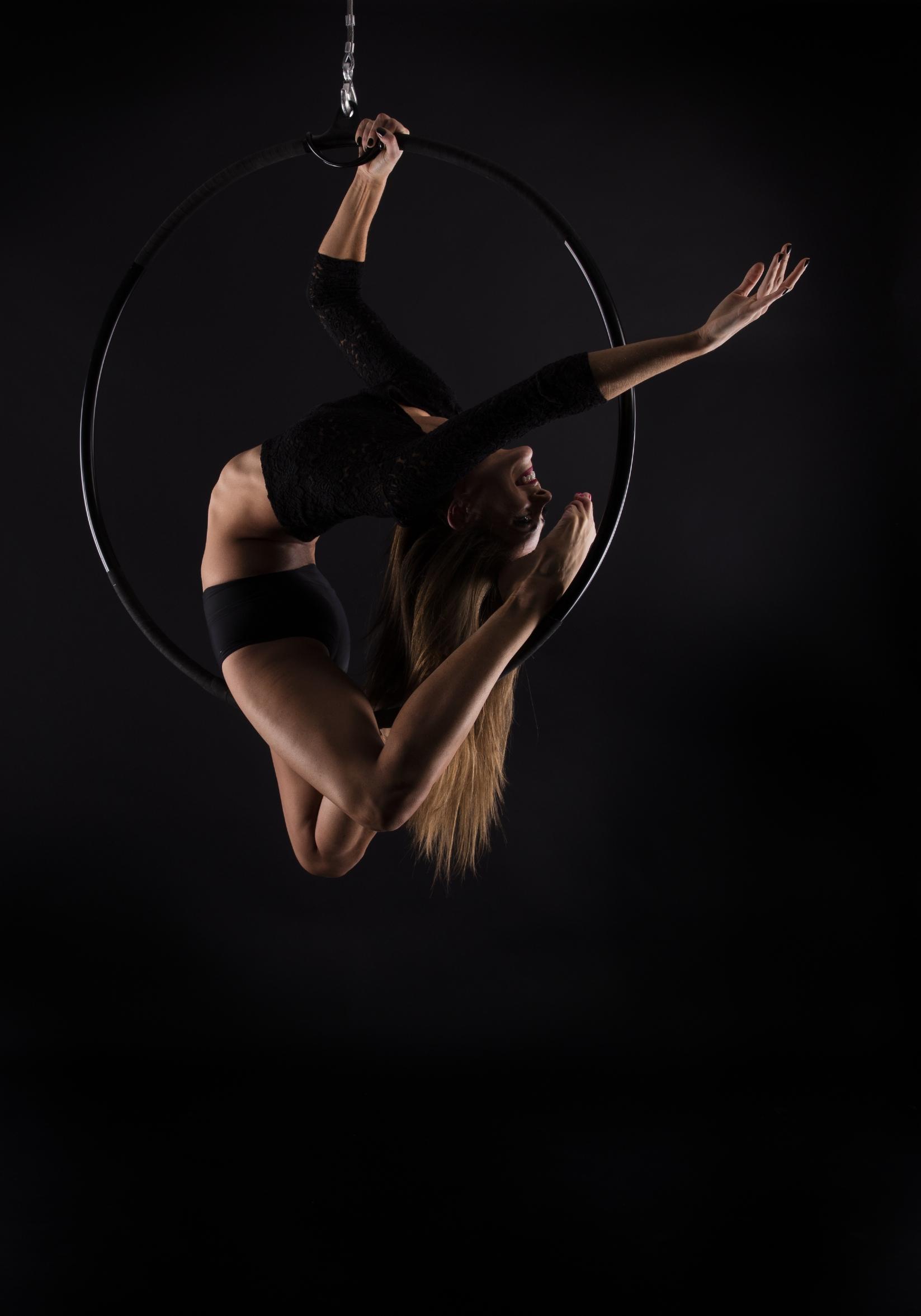 luftring, aerial hoop, luftakrobatin, aerialist berlin, luftartistin,