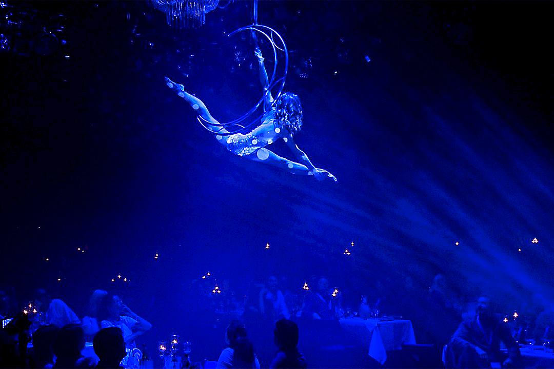 artistic event agency berlin - aircandy.de - Aerial Moon