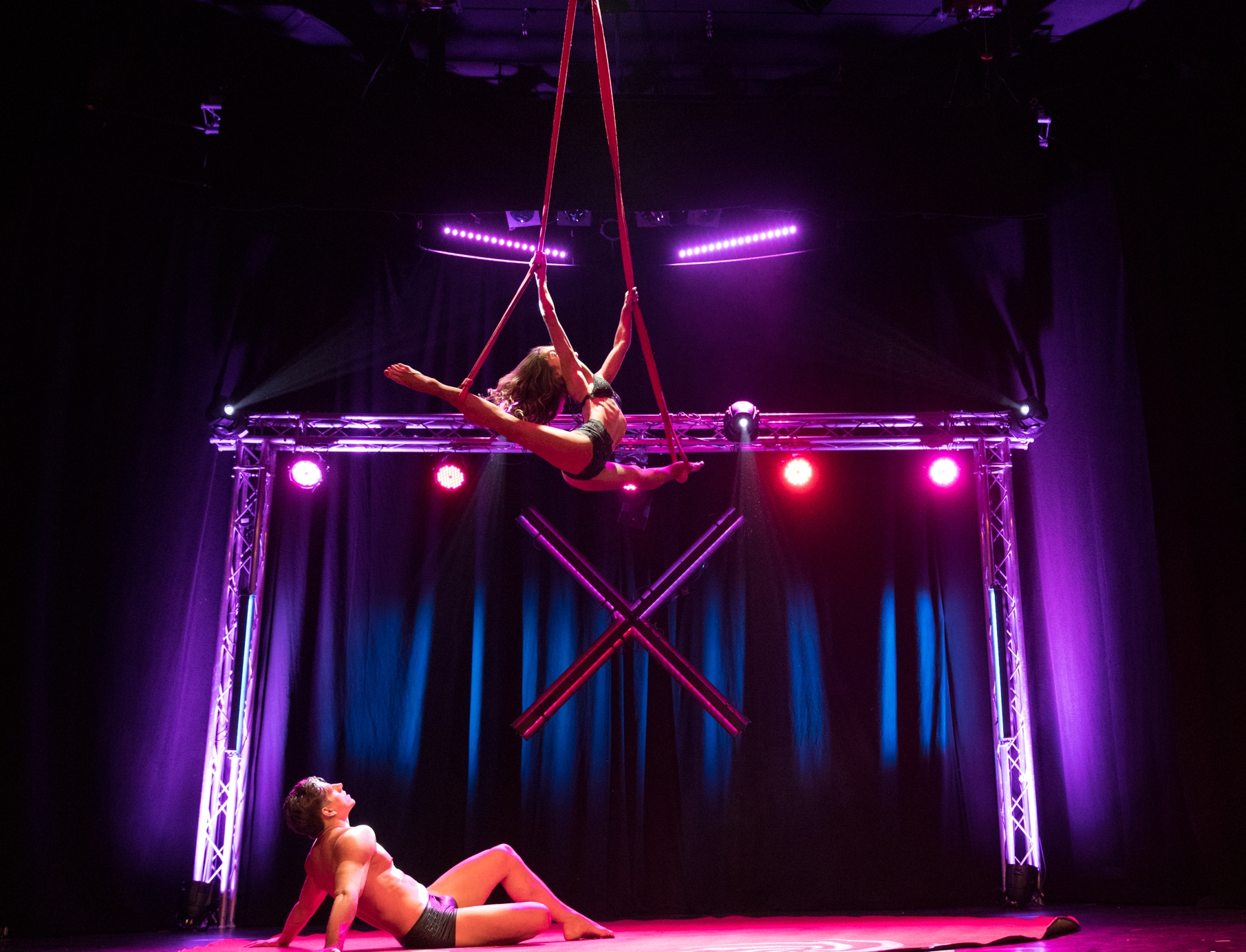 duo straps, strapaten, aerialstraps, akrobatik für events