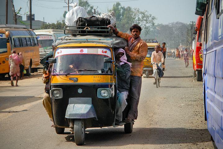rickshaw-2158447__480.jpg