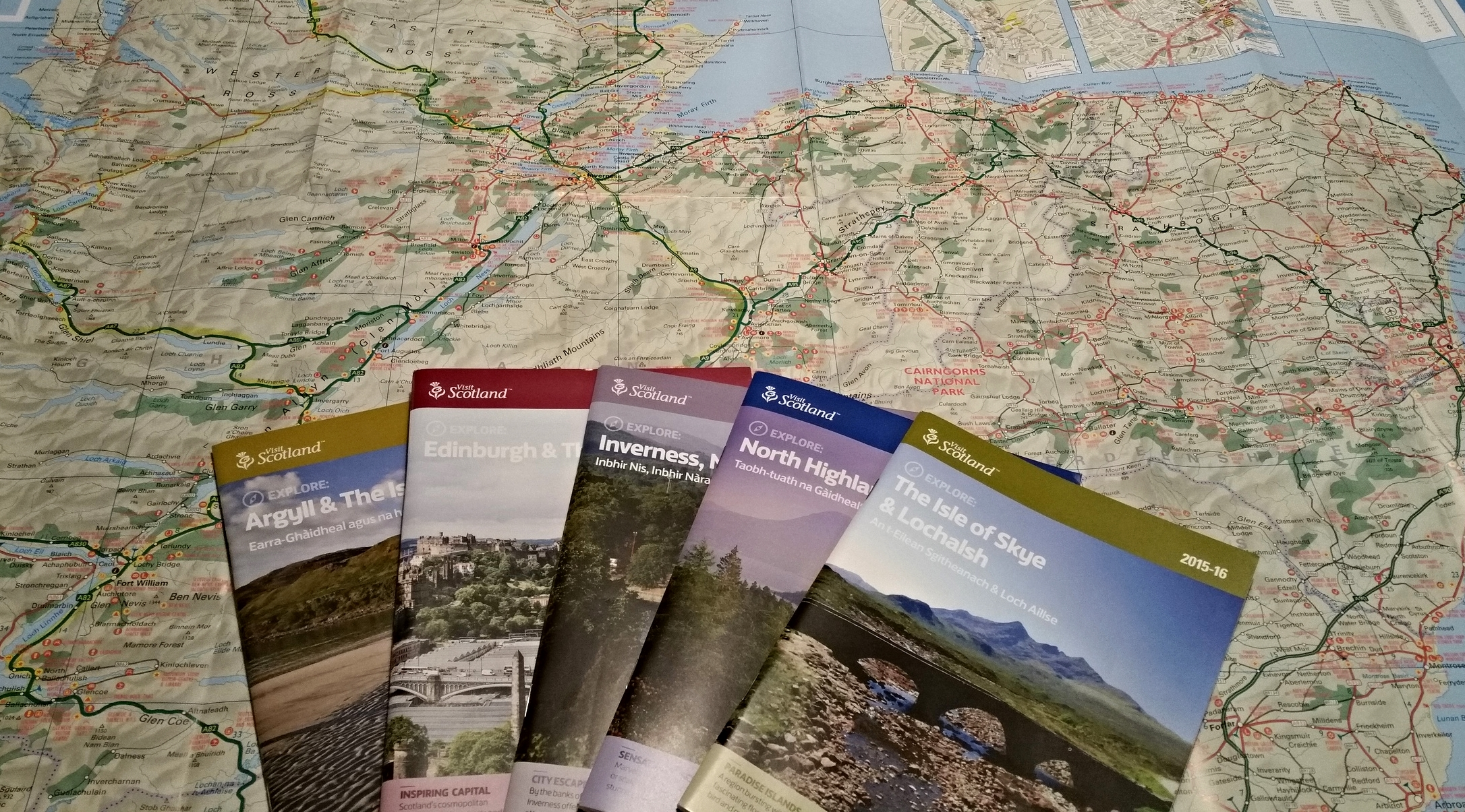 Scotland Map and Guide books