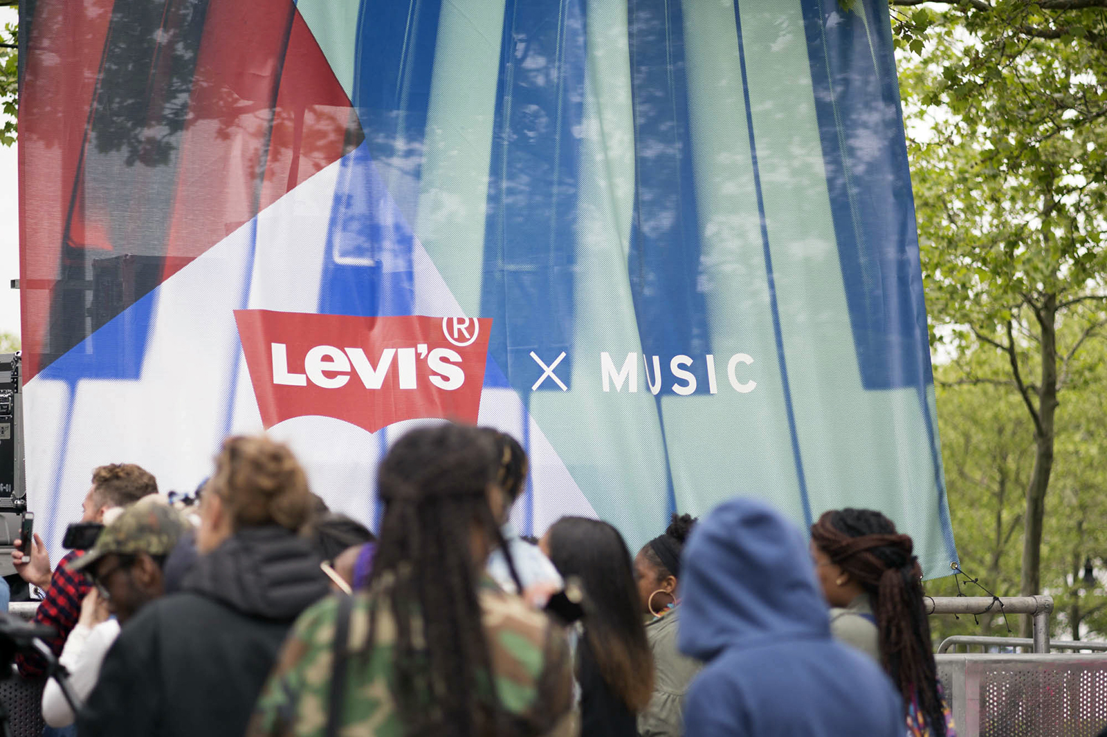 Photo_Levis_Music_FW16_SZA-Activation_Corrected_0080-2.jpg