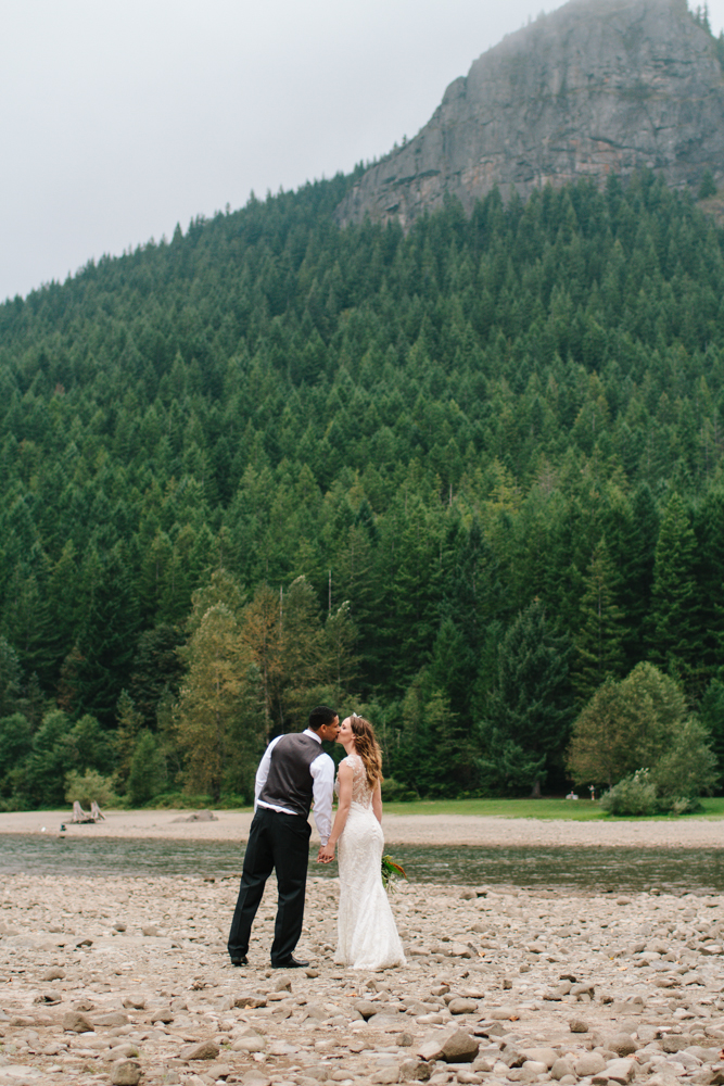 Jess-Hunter-Photography-Seattle-wedding-elopement-photographer-forest-wedding-2922.jpg