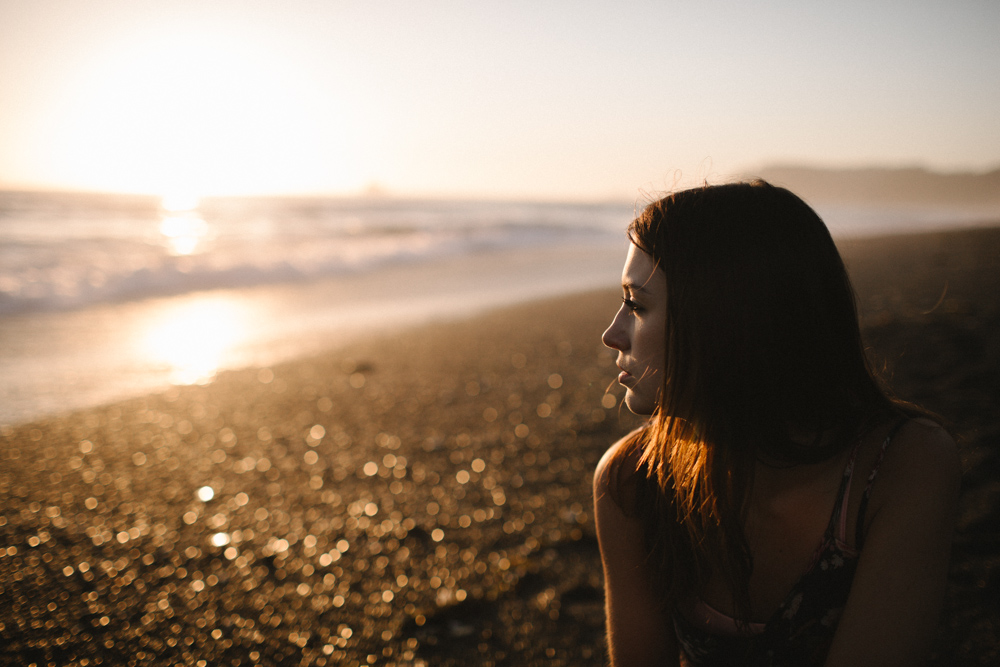 photo by Jess Hunter, Rialto Beach in Washington state, Pacific Northwest portraits, Seattle elopement and wedding photographer, adventure elopement, adventure photography, Seattle portrait photographer, Yakima senior portrait photographer