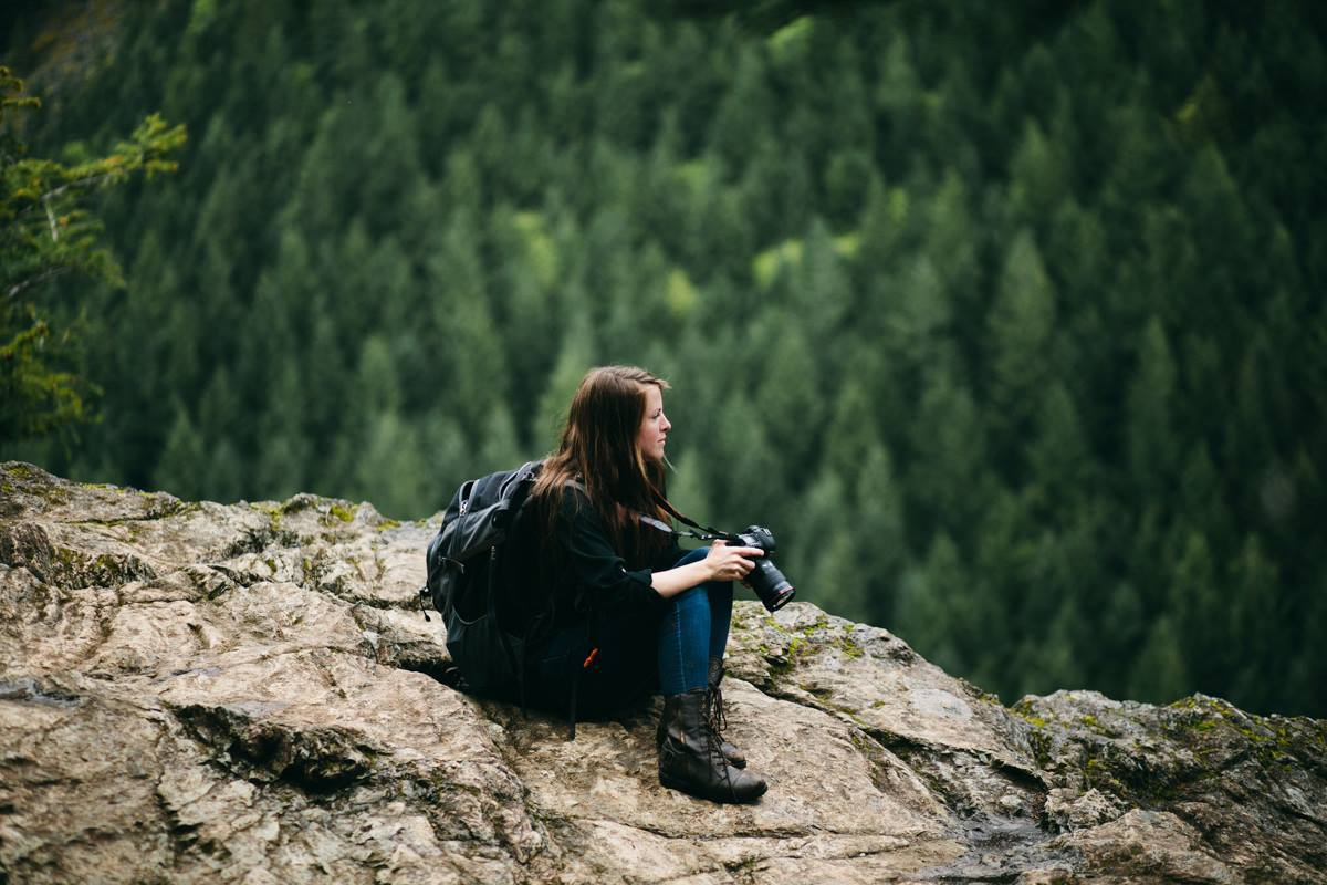 Jess Hunter photographing and adventurous mountain elopement in North Bend, WA