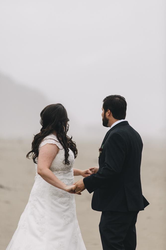 jess-hunter-photographer-cannon-beach-oregon-elopement-8159.jpg