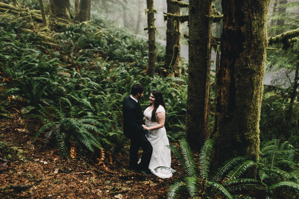 jess-hunter-photographer-cannon-beach-oregon-elopement-8408.jpg