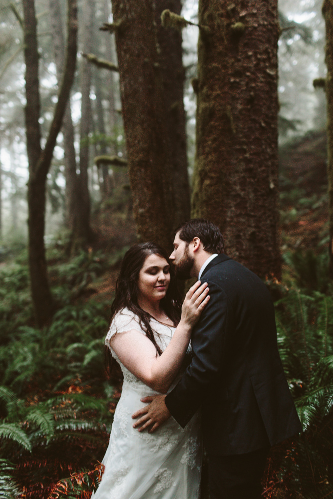 jess-hunter-photographer-cannon-beach-oregon-elopement-8555.jpg