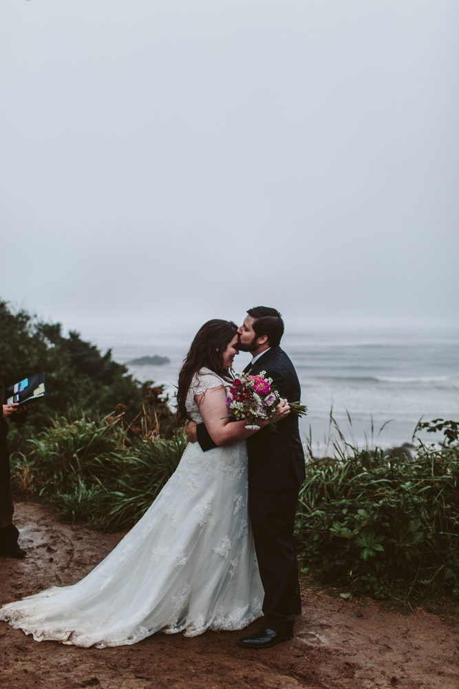 jess-hunter-photographer-cannon-beach-oregon-elopement-8778.jpg