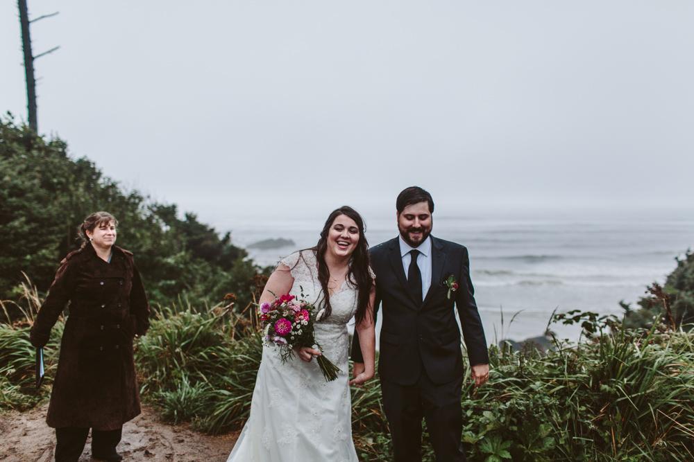 jess-hunter-photographer-cannon-beach-oregon-elopement-8783.jpg