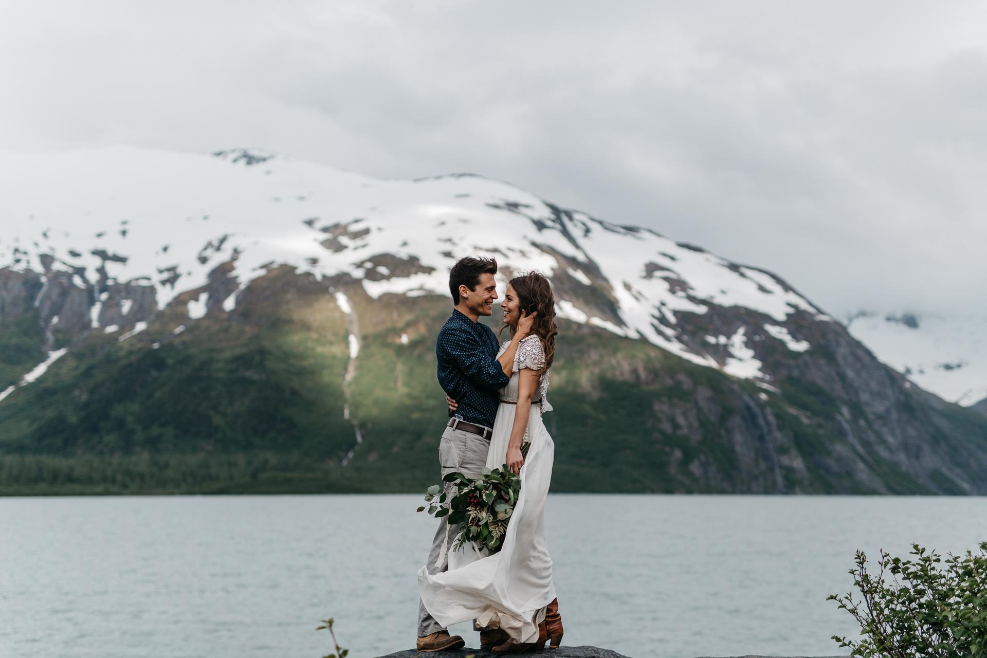 jess-hunter-photographer-alaska-destination-elopement-5867.jpg