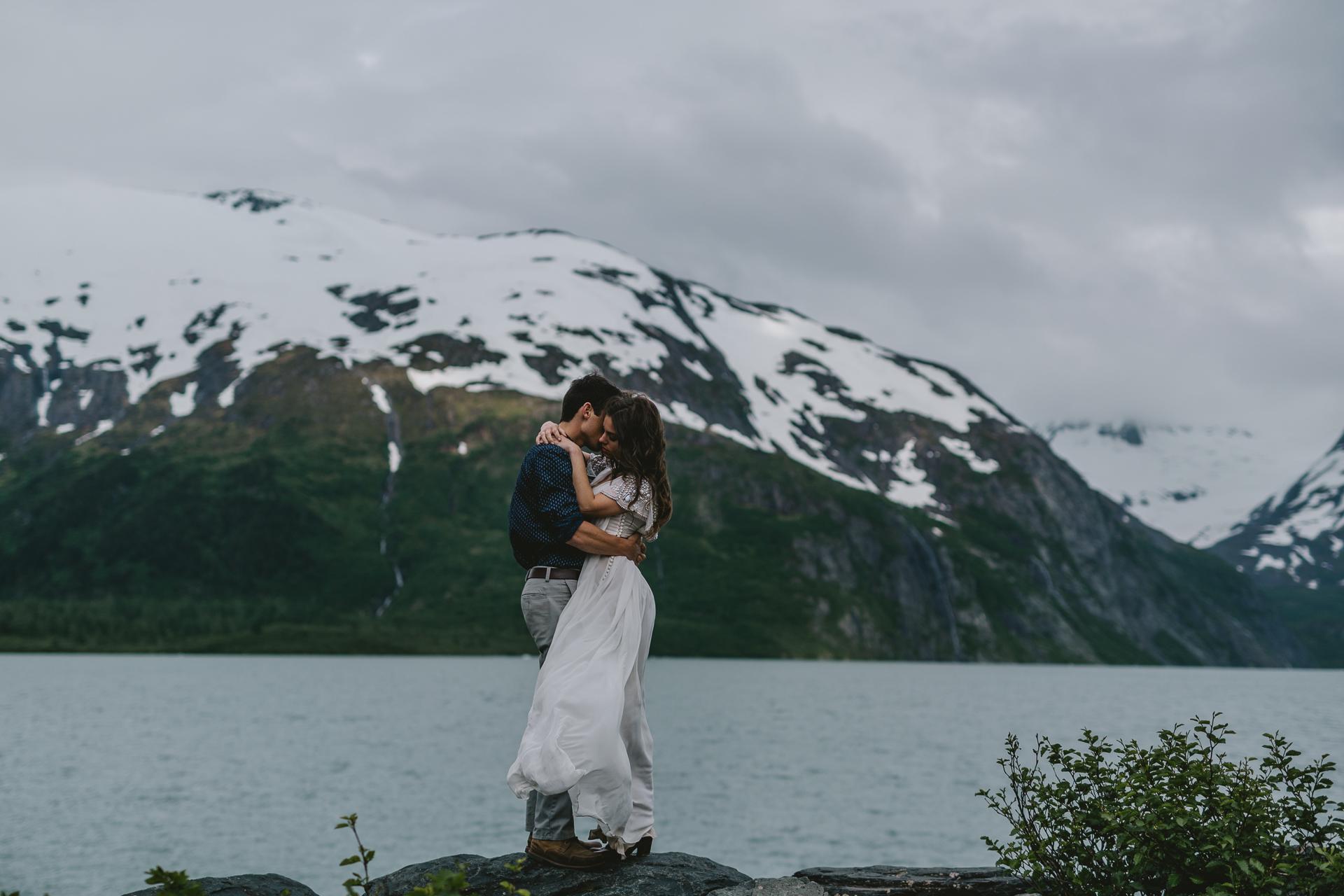 jess-hunter-photographer-alaska-destination-elopement-5918.jpg