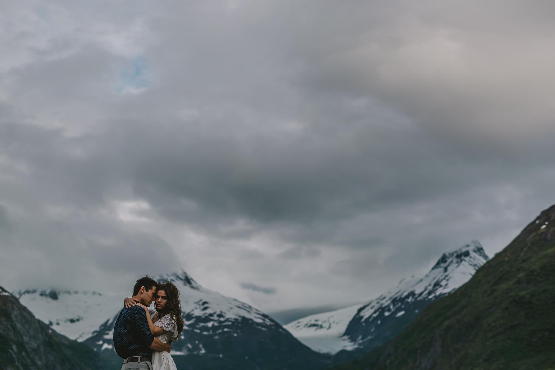 jess-hunter-photographer-alaska-destination-elopement-5932.jpg
