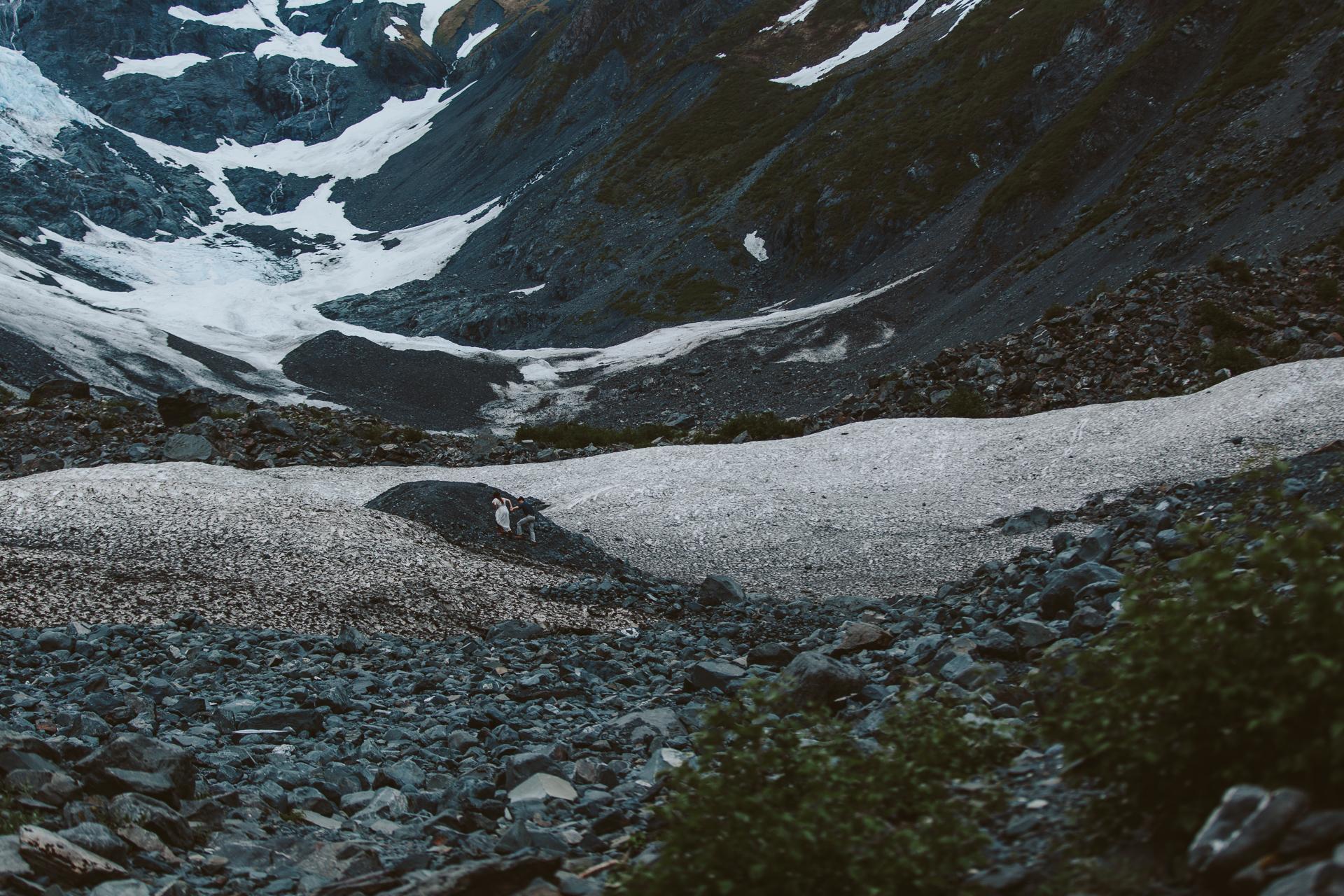 jess-hunter-photographer-alaska-destination-elopement-6160.jpg