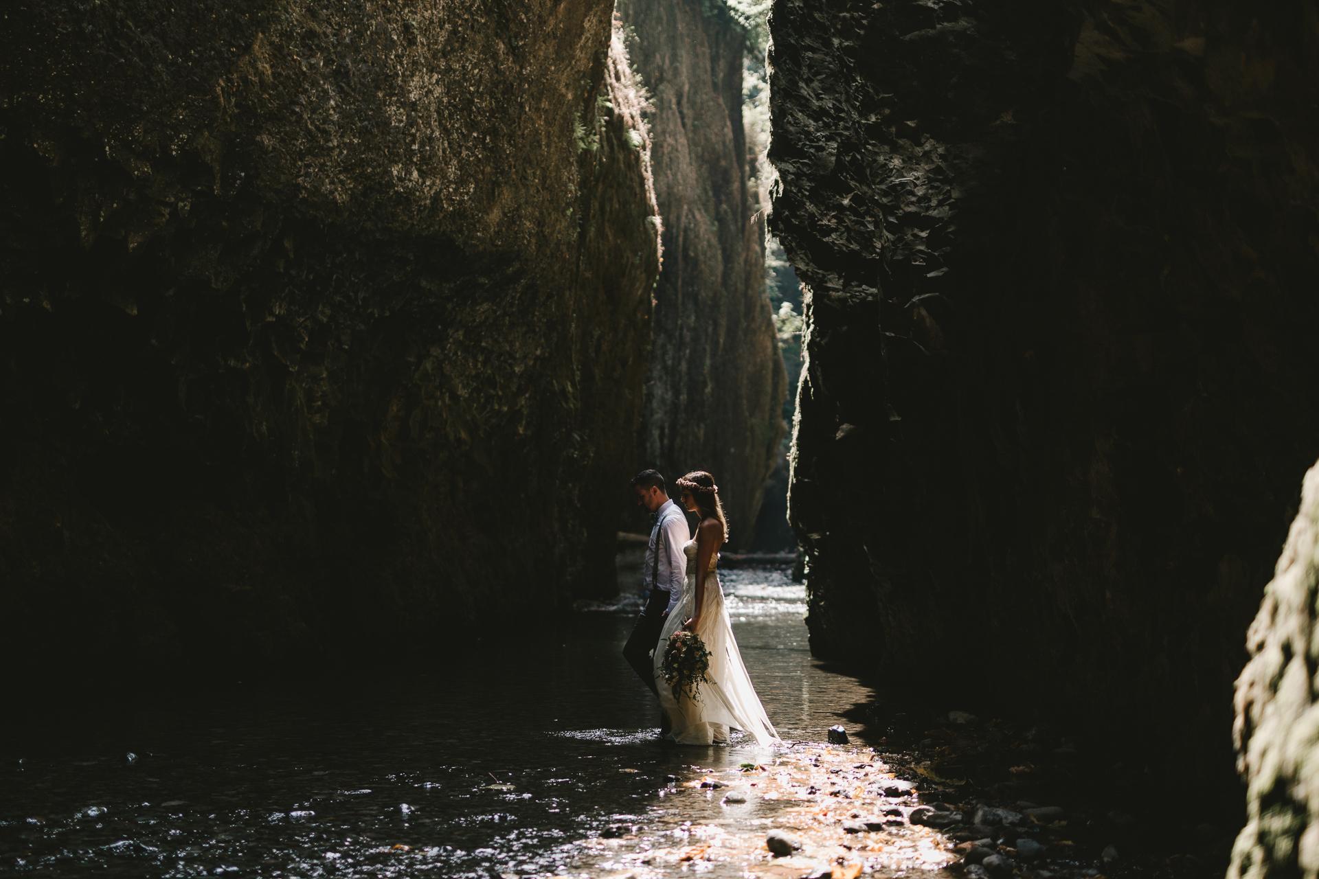 jess-hunter-portland-elopement-photographer--13.jpg