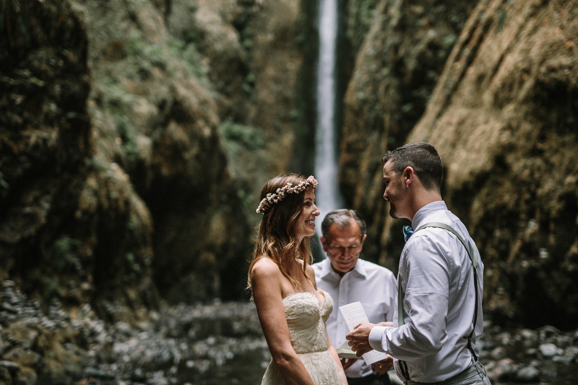 jess-hunter-columbia-gorge-oregon-elopement-photographer-0765.jpg