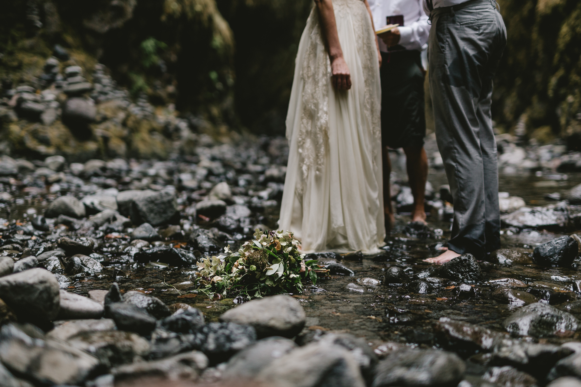 jess-hunter-columbia-gorge-oregon-elopement-photographer-0760.jpg